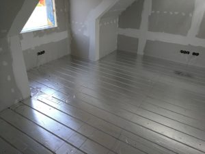 Põrandaküte II korrusel soojusjaotusplaadiga